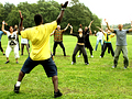 outdoors-dance-exercise-class-men-and-women